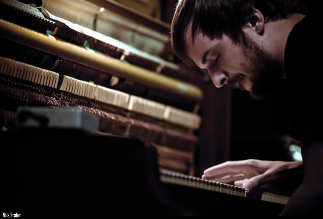 A Broken Thumb Inspires Piano Player Nils Frahm To Compose ... - photo#30
