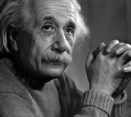 EinsteinLetterWoman