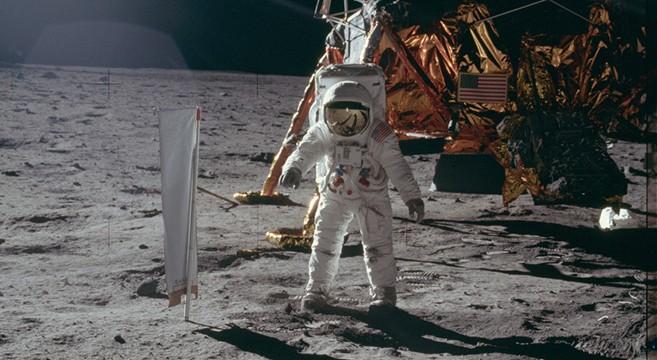 Hasil gambar untuk nasa apollo 10 in moon